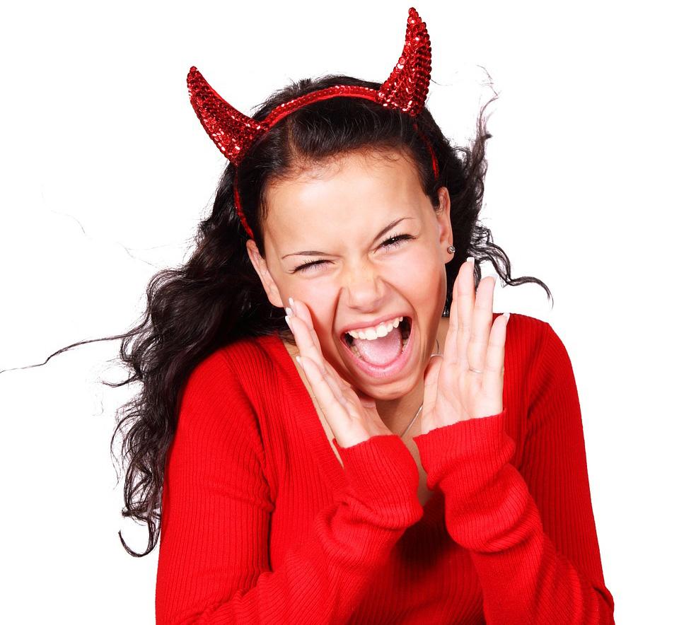 woman_angry_01