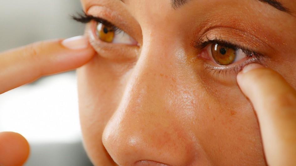 woman_eye_02