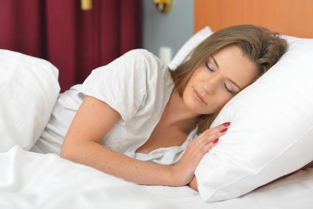 woman_sleeping_02
